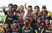 Pak team with T-20 Trophy