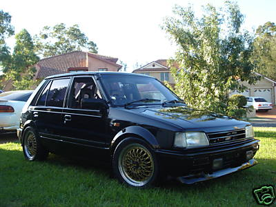 Modified Daihatsu Charade 86 in black
